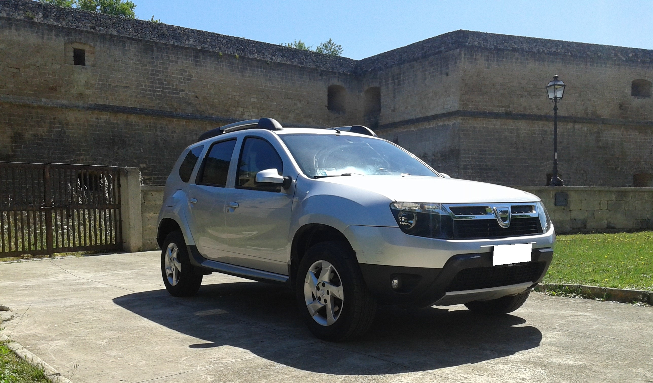 dacia duster 1 6 gpl 105cv 2013 castellauto. Black Bedroom Furniture Sets. Home Design Ideas